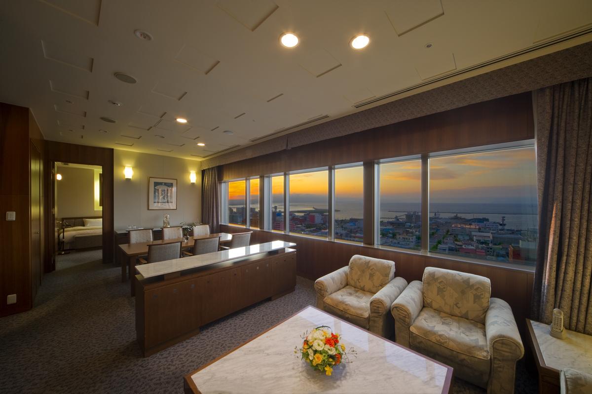 青森の迎賓館ホテル ホテル青森(公式ウェブサイト)DELUX SUITE ROOMデラックススイートルーム
