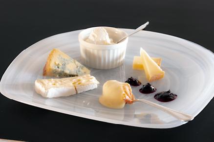 チーズアンドワインセレクション(6月)